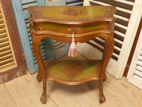 Lovely Vintage Gilt Console Table - ha152